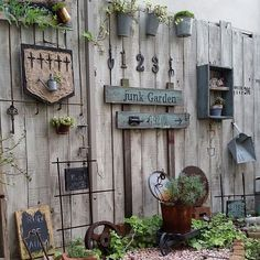 Kitchen rust miscellaneous goods Junk Arrow ceria garden interior illustrations such 21 51 21 RoomClip room clip Garden Fence Art, Garden Junk, Garden Yard Ideas, Garden Cottage, Garden Projects, Garden Bar, Diy Garden, Garden Planters, Rustic Gardens