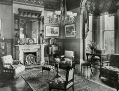Victorian drawing room interior at Cicero Hunt Lewis house, built in 1881 Victorian House Interiors, Victorian Rooms, Victorian Parlor, Victorian Life, Victorian Dollhouse, Victorian Decor, Victorian Steampunk, Modern Dollhouse, Foyers