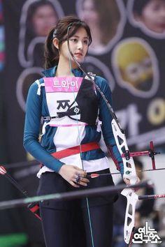 Pin on 美少女 Korean Beauty Girls, Beauty Full Girl, Sexy Asian Girls, Korean Girl, Asian Beauty, Beautiful Girl Image, Beautiful Asian Women, Tzuyu Body, Archery Girl