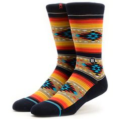 You won't wear another pair of socks once you've felt the comfort of the Stance Owens Tan Tribal crew socks. A tightly stitched 200 needle design and elastic arch support with deep heel pocket provide crazy comfort while an all-over tan tribal print gives