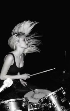 To be a female drummer Girl Drummer, Female Drummer, Music Aesthetic, Aesthetic Girl, Drums Girl, Trommler, Drum Music, How To Play Drums, Riot Grrrl