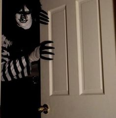 omg I wish that was my door and he was coming in!!