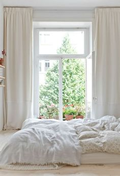 25 All White Bedroom Collection for your inspiration - Schlafzimmer - Curtains Dream Bedroom, All White Bedroom, Minimal Bedroom, Bedroom Decor, Beautiful Bedrooms, Bedroom Interior, Home, Interior, Home Bedroom