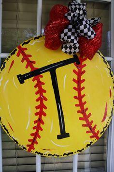 Softball Door Hanger by AllThingsNicole on Etsy Softball Party, Softball Crafts, Softball Mom, Girls Softball Room, Softball Wreath, Softball Stuff, Crafts To Sell, Diy And Crafts, Softball Decorations