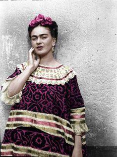 Frida Kahlo. Fotografie di Leo Matiz - Cerca con Google