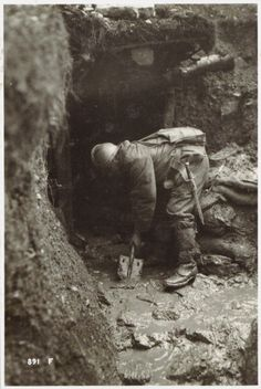 Removal of the mud in the trenches between the Brenta and the Piave Italy 1917 Gelatine process Rome Central Museum of the Risorgimento
