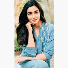 Alia Bhatt - Android, iPhone, Desktop HD Backgrounds / Wallpapers Source by fashion indian Beautiful Bollywood Actress, Most Beautiful Indian Actress, Cute Celebrity Guys, Celebrity Style, Indian Celebrities, Bollywood Celebrities, Alia Bhatt Photoshoot, Aalia Bhatt, Alia Bhatt Cute