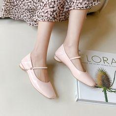 Chiko Berger Round Toe Block Heels Pumps Slingback Shoes, Shoes Heels Pumps, Bow Shoes, Kitten Heel Pumps, Bow Flats, Pointed Toe Block Heel, Block Heel Loafers, Block Heels, T Strap Flats