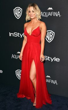 Kaley Cuoco Sizzles in a Skin-Baring Red Dress at the Golden.-Kaley Cuoco Sizzles in a Skin-Baring Red Dress at the Golden Globes Kaley Cuoco - Beautiful Celebrities, Beautiful Actresses, Kaley Cuoco Body, Red Evening Gowns, Plunge Dress, Mannequins, The Dress, Gown Dress, Look Fashion