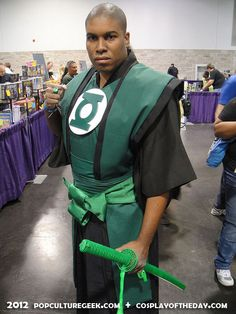 Samurai Green Lantern. View more EPIC cosplay at http://pinterest.com/SuburbanFandom/cosplay/...