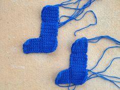 two crochet tetromino Js, crochetbug, crochet squares, crochet blocks, tetris crochet blanket, tetris crochet afghan