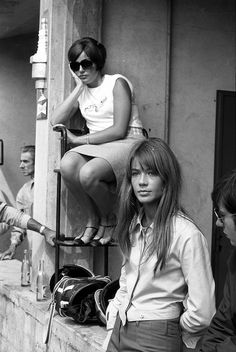 The French (dis)Connection Rock And Roll Girl, Françoise Hardy, Beautiful People, Beautiful Women, Black And White People, People Dancing, 1960s Fashion, Alexa Chung, Woman Crush