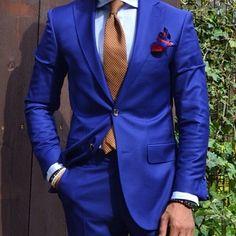 Tailored men's blue suit. Very #Dapper looking gentleman!