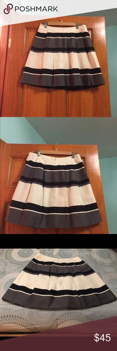 🌹Loft pleated skirt🌹 Unfortunately I have to part with this beautiful skirt because it no longer fits me. Skirt is in excellent condition and washes really well. It has two hidden pockets and you can wear with many colors. It is truly my loss and your gain. LOFT Skirts Mini