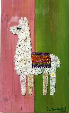 One of a single button Art Lama in buttons and beads with a background of acrylic paint on recycled wood. Size about 7 x 13 inches. Delivered ready to hang. Easy Diy Crafts, Crafts To Make, Fun Crafts, Arts And Crafts, Camping Crafts, Beach Crafts, Resin Crafts, Paper Crafts, Art Birthday