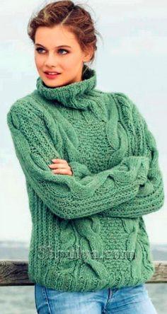 Теплый пуловер с косами спицами