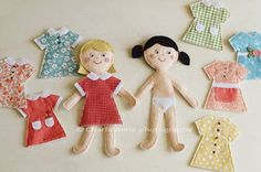 Felt dress up dolls. Cute,cute idea,what Iil girl does not like to play dress up for dolls,i loved paper dolls when i was little.Felt dress-up dolls. {kind-a like paper dolls, only with felt and therefore more sturdy!Dolls with dress up clothes and c Kids Crafts, Felt Crafts, Fabric Crafts, Craft Projects, Sewing Projects, Operation Christmas Child, Sewing Toys, Sewing Crafts, Quiet Books