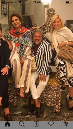 Spring And Fall, Fall Winter, Marie Chantal Of Greece, Greek Royalty, Royal Style, Royal Fashion, Shawls, Royals, Scarves