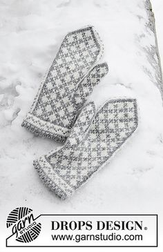 Knock Knock Santa - Knitted mittens in DROPS Karisma. The piece is worked with Nordic pattern. - Free pattern by DROPS Design Knitting Charts, Loom Knitting, Knitting Patterns Free, Free Knitting, Free Pattern, Finger Knitting, Scarf Patterns, Knitting Machine, Crochet Patterns