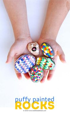 Easy Art for Kids: Puffy Painted Rocks Puffy Painted Rocks: A classic craft with a twist! Use Puffy Paint to give rocks a rubbery texture and create bold, bright designs. Projects For Kids, Art Projects, Crafts For Kids, Toddler Crafts, Pintura Puff, Rock Crafts, Arts And Crafts, Puffy Paint Crafts, Easy Art For Kids