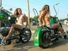 HARLEY DAVIDSON BIKES Motorbikes Women, Harley Davidson Bikes, Beach Babe, Bike Life, Motorcycles, Bikers, Facebook, Woman, Sexy