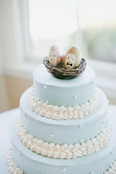 Blue and White Wedding Cake ~ cute