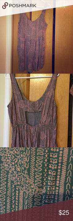 Roxy Romper Cute romper with open back design. Never worn! Roxy Other