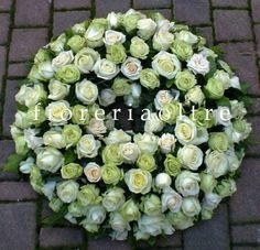 Fioreria Oltre/ In memoriam/ Sympathy wreath/ White and green roses
