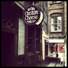 Ye Olde Cheshire Cheese - great old pub