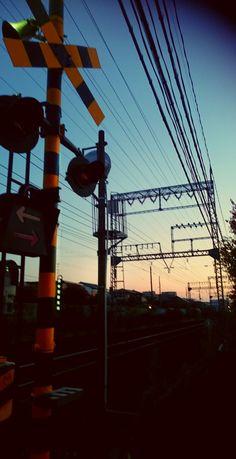 aaa 朝焼け 踏切 Adventure Aesthetic, Years Passed, Japan Street, Neon Aesthetic, Environmental Design, Wild Ones, Beautiful Moments, Aesthetic Wallpapers, Karma