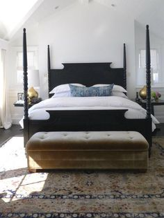 Home Decoration Interior Painted four-poster bed makeover tutorial. Budget DIY for a dramatic black four poster bed!Home Decoration Interior Painted four-poster bed makeover tutorial. Budget DIY for a dramatic black four poster bed! Modern Farmhouse Bedroom, Fresh Farmhouse, Farmhouse Style, Farmhouse Decor, Bedroom Modern, Farmhouse Interior, Bedroom Black, Modern Beds, Urban Farmhouse