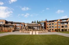 This resort offers beautiful architecture that compliments it's gorgeous setting in the Willamette Valley.