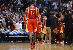 97-114. Howard brilla en el triunfo de los Rockets sobre los Pistons | USA Hispanic Press
