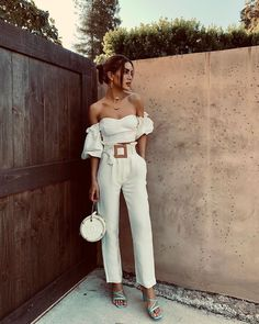 Trendy and cute casual outfit. Elegant Summer Outfits, Classy Outfits, Chic Outfits, Fashion Outfits, Fashion Tips, Look Camila Coelho, Street Style Looks, Feminine Style, Look Fashion