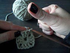 omⒶ KOPPA: VIRKKⒶUSOHJE - isoäidinneliö Crochet Necklace