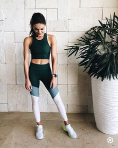 Cute workout outfit.