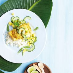 Pickled fish is a traditional dish! Spice it up with curry and cool it down with pickled cucumber and mango salad. Green Papaya Salad, Mango Salad, Pickling Cucumbers, Recipe Search, Avocado Egg, Fresh Fruit, Spice Things Up, Baking Recipes, Salad Recipes