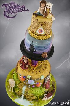 A stunningly beautiful Dark Crystal cake by The Black Cherry Cake Company. This is definitely one of the most beautiful fantasy-themed cake I've seen in a long time! [Source: Little Cherry Cake Company / Black Cherry Cake Company Crazy Cakes, Fancy Cakes, Pink Cakes, Pretty Cakes, Beautiful Cakes, Amazing Cakes, Stunningly Beautiful, Unique Cakes, Creative Cakes