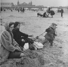 Blackpool Beach May 1945 - wearing hats and coats against the cold during a great British summer. British Seaside, British Summer, Great British, Blackpool Beach, Old Photos, Brighton, Competition, Mad, Photographs