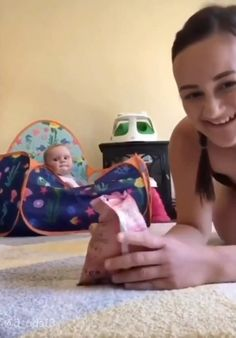 Funny Baby Memes, Cute Funny Baby Videos, Cute Funny Babies, Super Funny Videos, Funny Videos For Kids, Funny Video Memes, Funny Short Videos, Really Funny Memes, Stupid Funny Memes