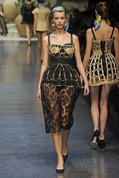 20 Looks with Bustier Dresses Glamsugar.com Dolce and Gabbana
