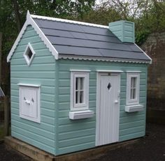 Building your little one a playhouse in the backyard will surely make them happy. However, you'll want it to be safe as well as beautiful. There are a few things you should know before you build a playhouse for kids. Painted Playhouse, Kids Wooden Playhouse, Kids Indoor Playhouse, Outside Playhouse, Garden Playhouse, Build A Playhouse, Playhouse Decor, Outdoor Playhouses, Playhouse Ideas