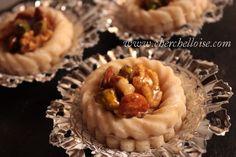 Petite bouché « pate d'amande et fruit sec » Une petite bouché en pate d'amade et fruit sec qui est en réalité une dérivé de la kefta « gâteau algériens sans cuisson » mais présenté en plus petit format pour éviter de tomber dans le « trop sucré » quoiqu'une...