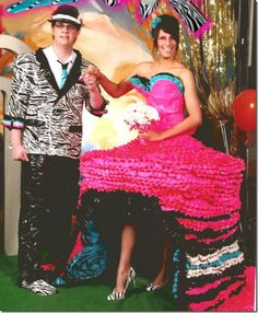 [Duct tape prom outfits - trying to win scholarships for college] 25 of the Worst Prom Photos You Will EVER See - Spikey Worst Prom Dresses, Ugly Dresses, Prom Outfits, Dress Prom, Bad Dresses, Crazy Dresses, Wedding Dresses, Amazing Dresses, Pink Dresses