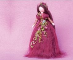 super tuto Picture of How to Make a Magic Wool Autumn Fairy Fairy Crafts, Book Crafts, Felt Crafts, Craft Books, Wool Dolls, Felt Dolls, Diy Laine, Felt Angel, Autumn Fairy