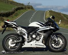 I seriously love white bikes!