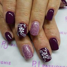 Bordeaux vinaccio viola unique rosa glitter fiori nails winter gel nail designs with - small Nail Art Designs, Purple Nail Designs, Fingernail Designs, Glitter Gel Nails, Gel Nail Art, Easy Nail Art, Pink Glitter, Glitter Flowers, Fancy Nails