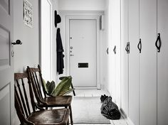 A beautiful city apartment in white and grey / Scandinavian Simplicity