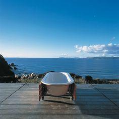 Bathroom: Interesting Coromandel Outdoor Bathtub With Amazing Sea View With Wooden Flooring: Extraordinary Outdoor Bathroom Design