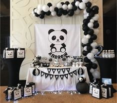 oh my gosh this panda party is so cute! -See more Panda Party ideas on B. Panda Party, Panda Themed Party, Boy Birthday Parties, Baby Birthday, Birthday Party Decorations, Panda Birthday Cake, Panda Baby Showers, Panda Decorations, Panda Cakes